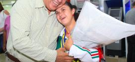 "Emotivo recibimiento a la campeona mundial ""Chayito"" Pelayo"